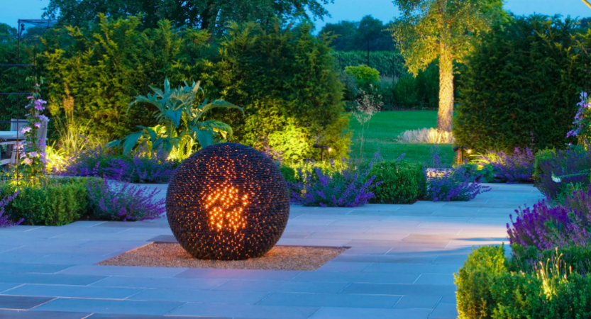4 reasons why your new home needs outdoor lighting